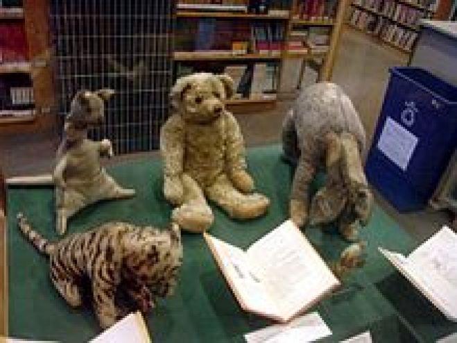 The_original_Winnie_the_Pooh_toys-1