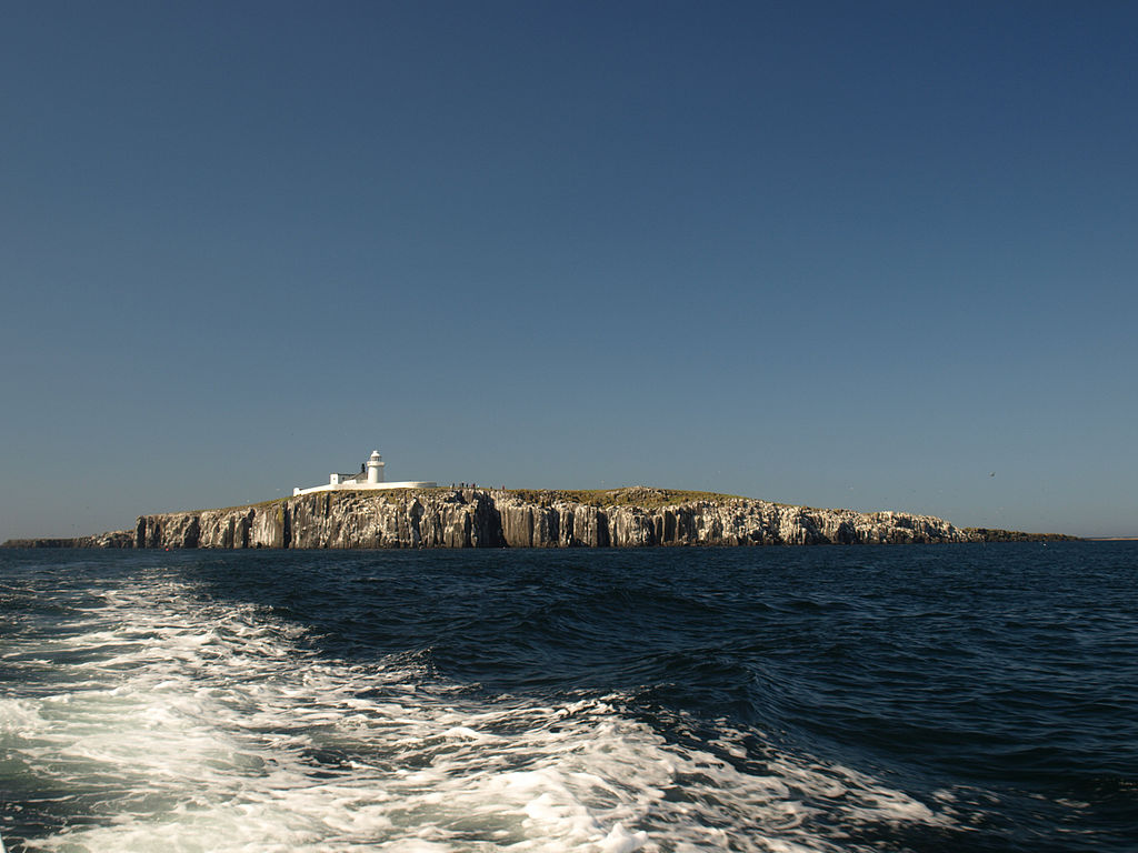 1024px-Inner_Farne_Wide_View