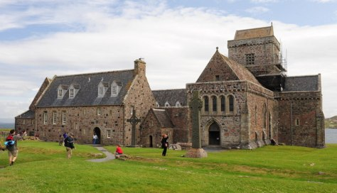 Abbey_on_the_Isle_of_Iona_-_geograph.org.uk_-_1459438